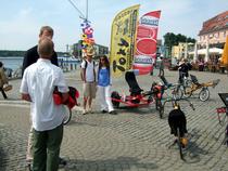 toxy-liegerad_trimobil-dreirad_festival-waren2011-hafen.jpg