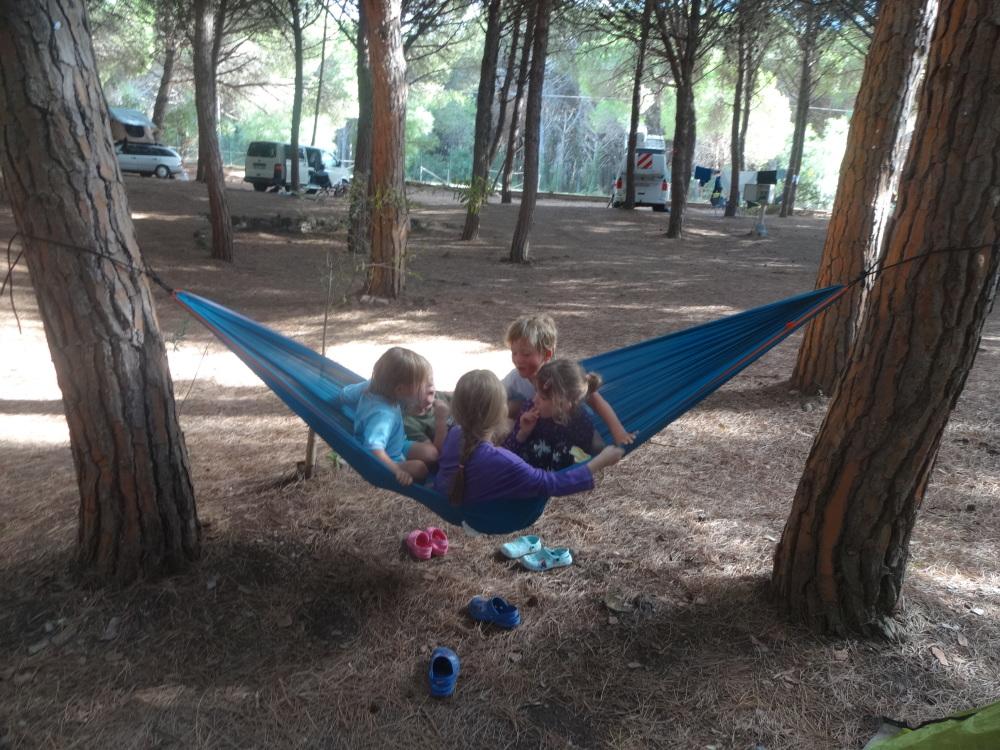 2018-10-02-7-neue-freunde-auf-dem-campingplatz.JPG