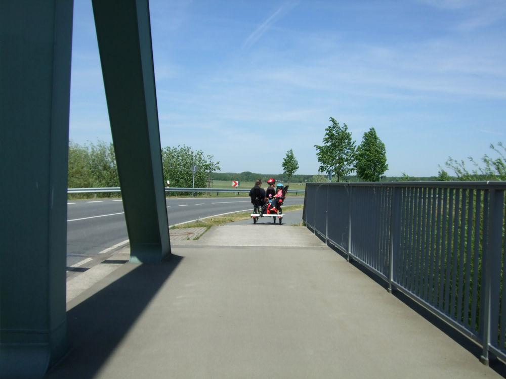 toxy-liegerad_trimobil-dreirad_family-trike_bridge.jpg