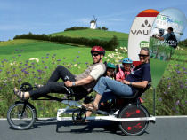 Trimobil rikshaw family pedelec tandem trike with advertising flags