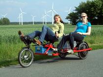 Trimobil in der Blinden-Betreuung: Ideal auf Ausflügen und Reisen mit sehbehinderten Menschen.