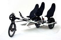 trimobil_basic-assembly_triple-adult-seat_double_drivetrain.jpg