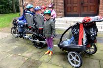 Kindergarten-Transporter: Trimobil als Kindertaxi im Einsatz